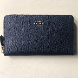 Coach Continental Zip Wallet